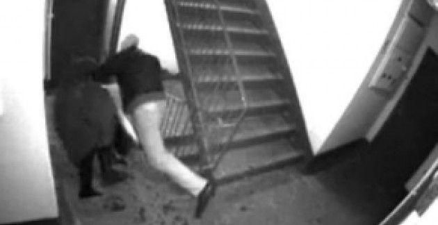 Порно с камер наблюдения на улице